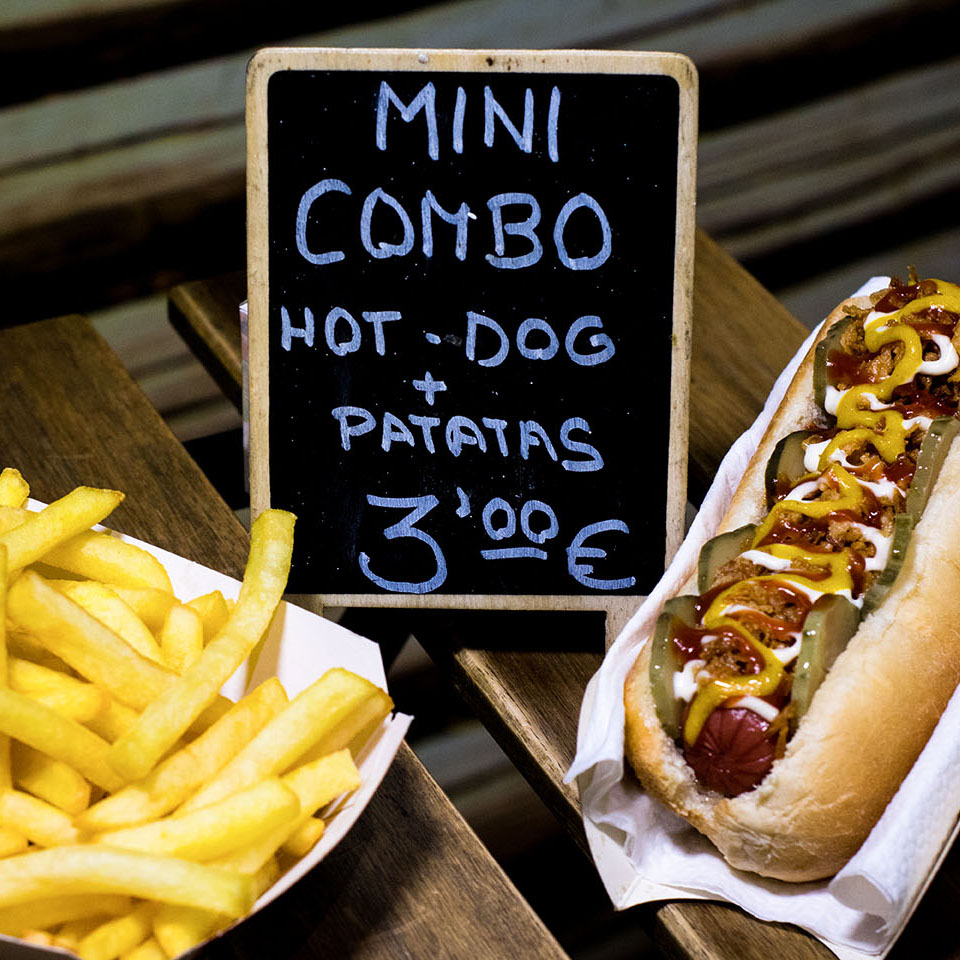 Pizzone, Mini combo hot dog y Patatas fritas 3€